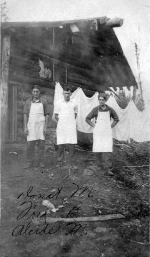 Cuisiniers au Dépôt du Premier Lac