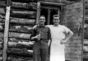 M. Thibodeau et M. Michaud au camp 39