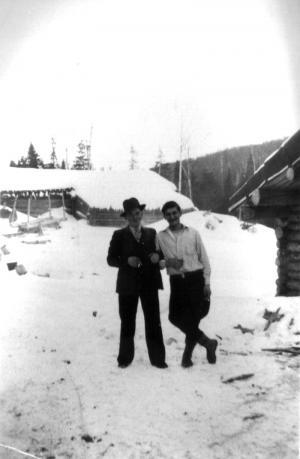 M. Grandmaison et M. Côté au camp 8