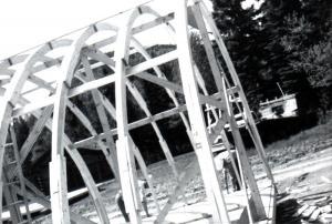 Camp Quonset avec toit à chevrons