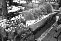 Installation de la turbogénératrice dans la centrale thermique de l'usine Fraser d'Edmundston