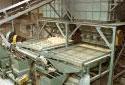Classeur à tamis dans l'usine de sciage Fraser à Plaster Rock