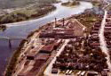 Vue aérienne de l'usine Fraser de Madawaska en 1977
