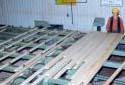 L'entrepôt de triage à l'atelier de rabotage de la scierie Fraser de Kedgwick