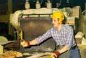 L'atelier de sciage à la scierie Fraser de Kedgwick
